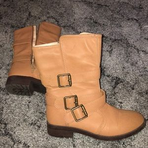 Like new sand colored boots with buckle.